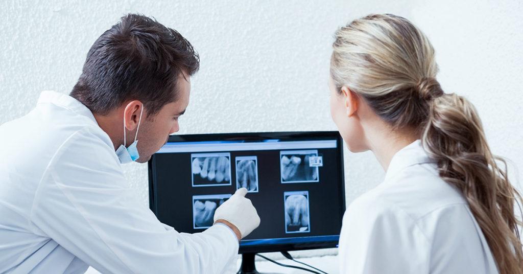 Intervento di innesto osseo dentale